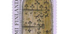 Hollolan kirkon asehuoneen ovi  postimerkki 8 markka