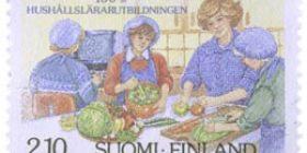 Kotitalousopettajakoulutus 100 vuotta  postimerkki 2